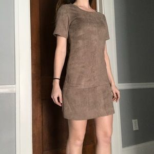 Taupe/Brown Short Sleeve Dress